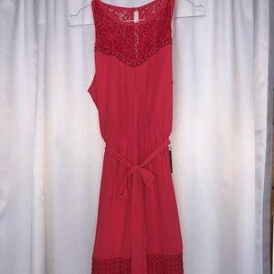 Dresses & Skirts - Belted dress